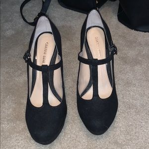Size 7 black t strap Mary Jane heels Gianni bini